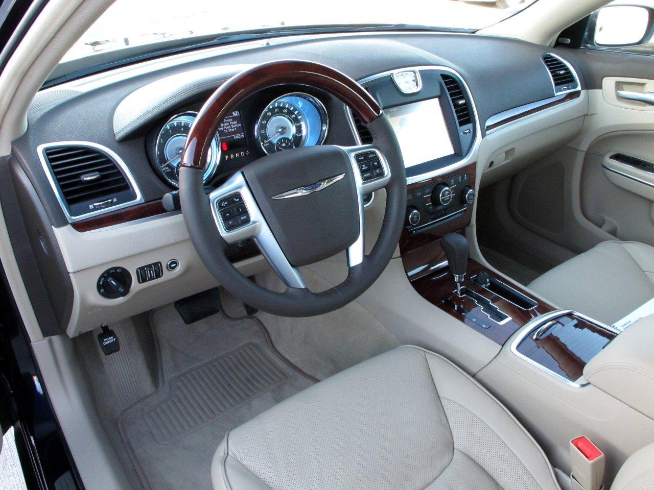 Chrysler 300C I 2004 - 2011 Sedan #7