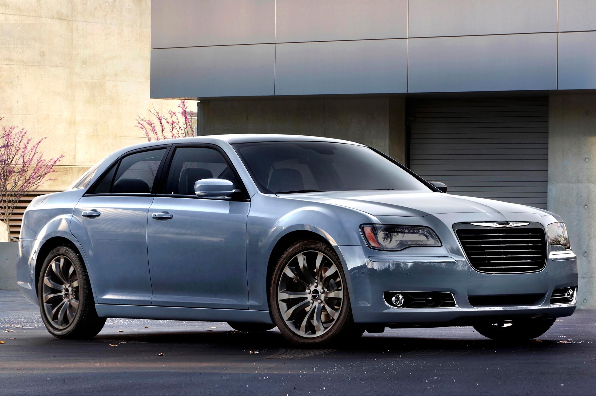 Chrysler 300C II 2011 - 2014 Sedan #1