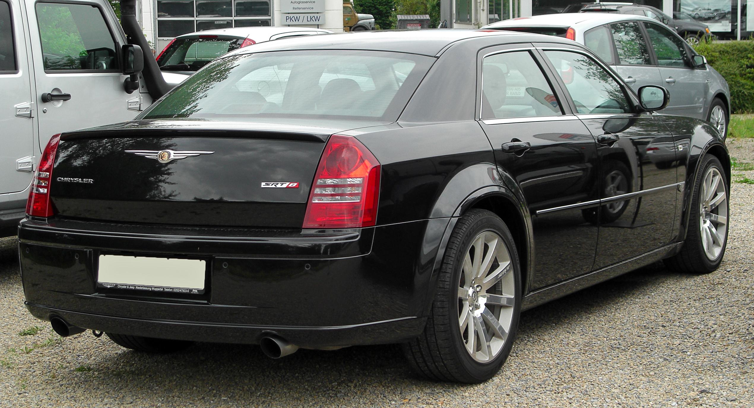 Chrysler 300C SRT8 I 2004 - 2010 Sedan #4