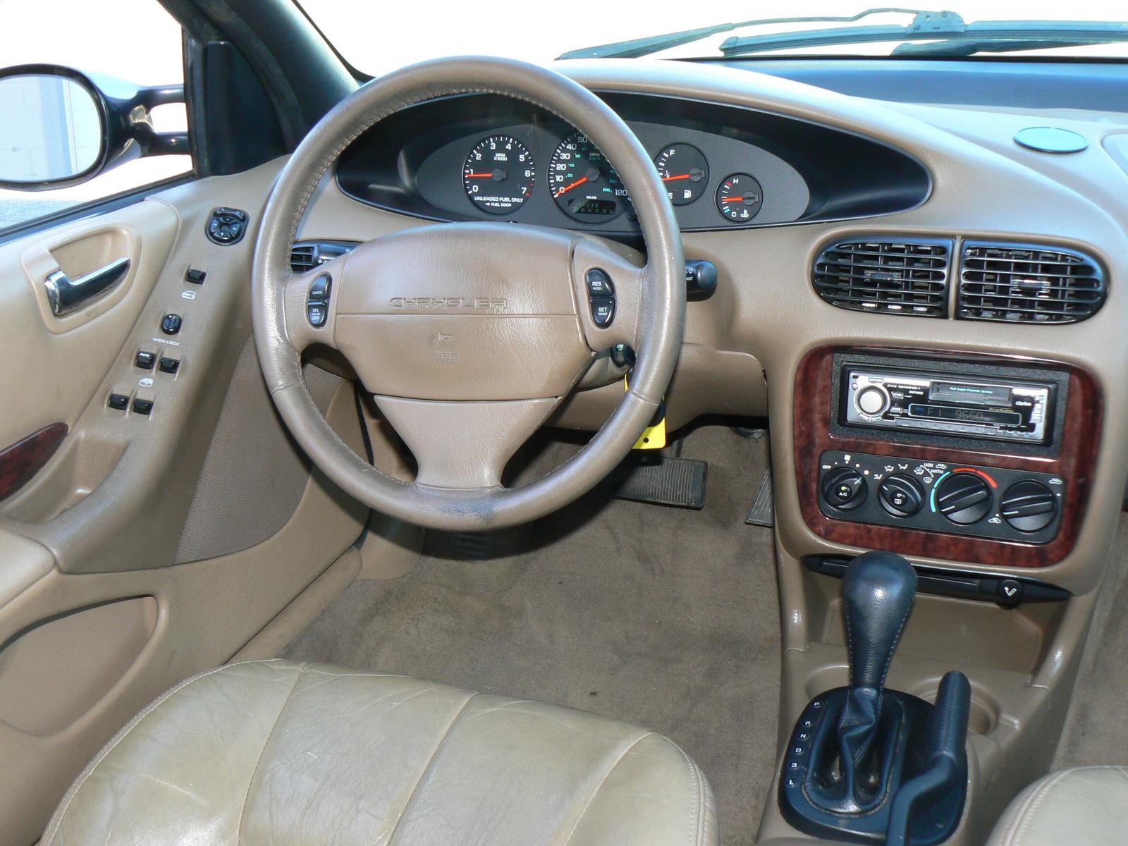 Chrysler Cirrus 1995 - 2000 Sedan #4