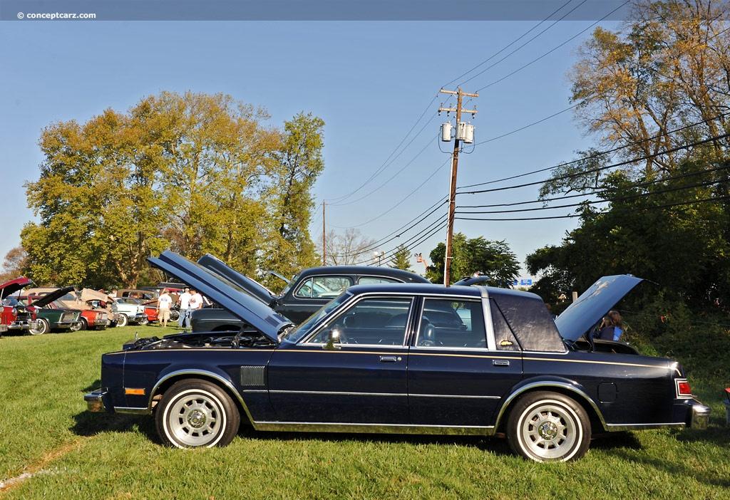 Chrysler Fifth Avenue I 1982 - 1989 Sedan #5