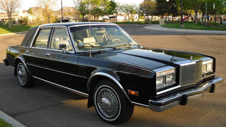 Chrysler Fifth Avenue II 1990 - 1993 Sedan #8