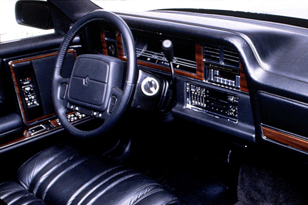 Chrysler Imperial VII 1990 - 1993 Sedan #3