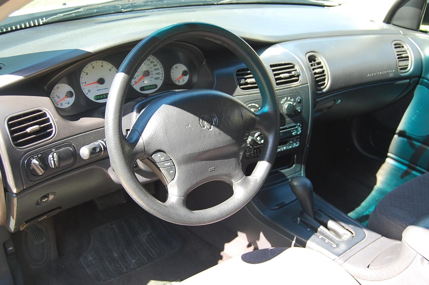 Chrysler Intrepid I 1993 - 1997 Sedan #8