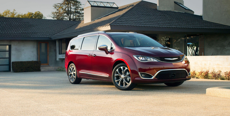 Chrysler Pacifica RU 2016 - now Minivan #1
