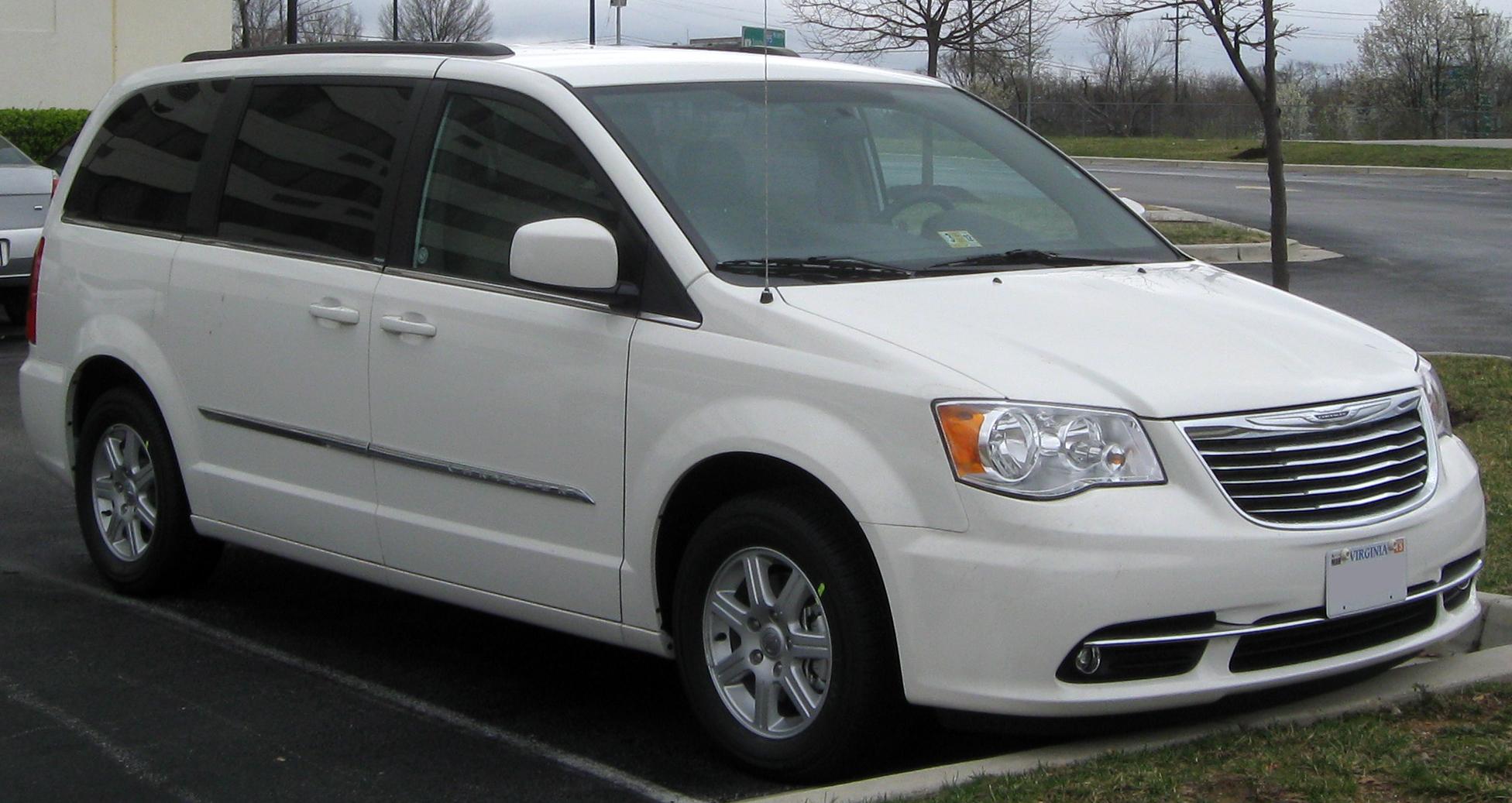 Chrysler Voyager V Restyling 2011 - 2015 Minivan #4