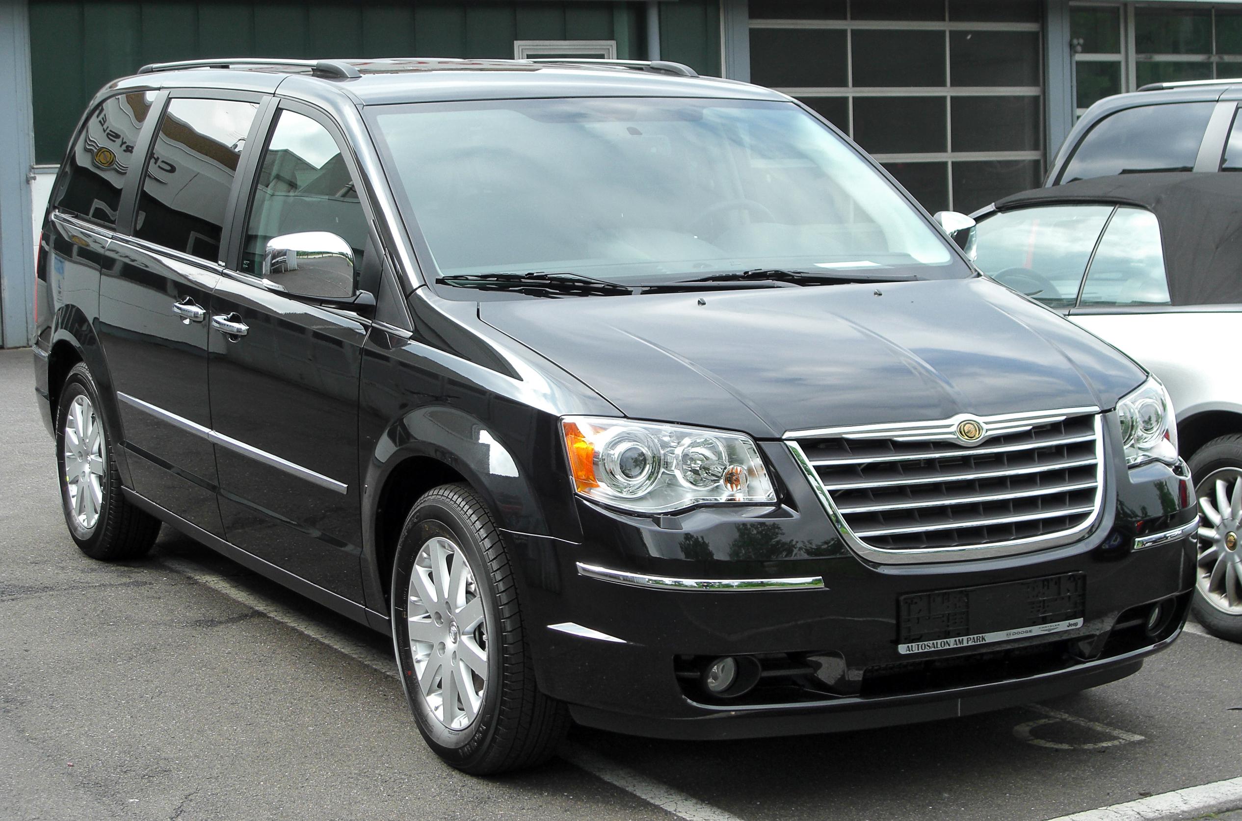 Chrysler Voyager V Restyling 2011 - 2015 Minivan #3