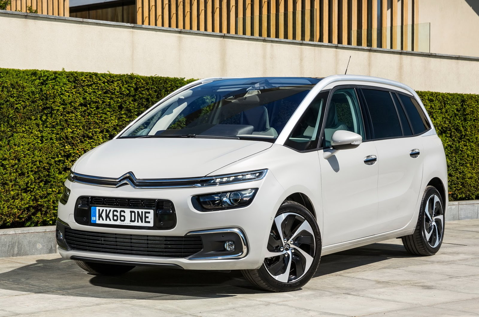 Citroen C4 Picasso II Restyling 2016 - now Compact MPV #3