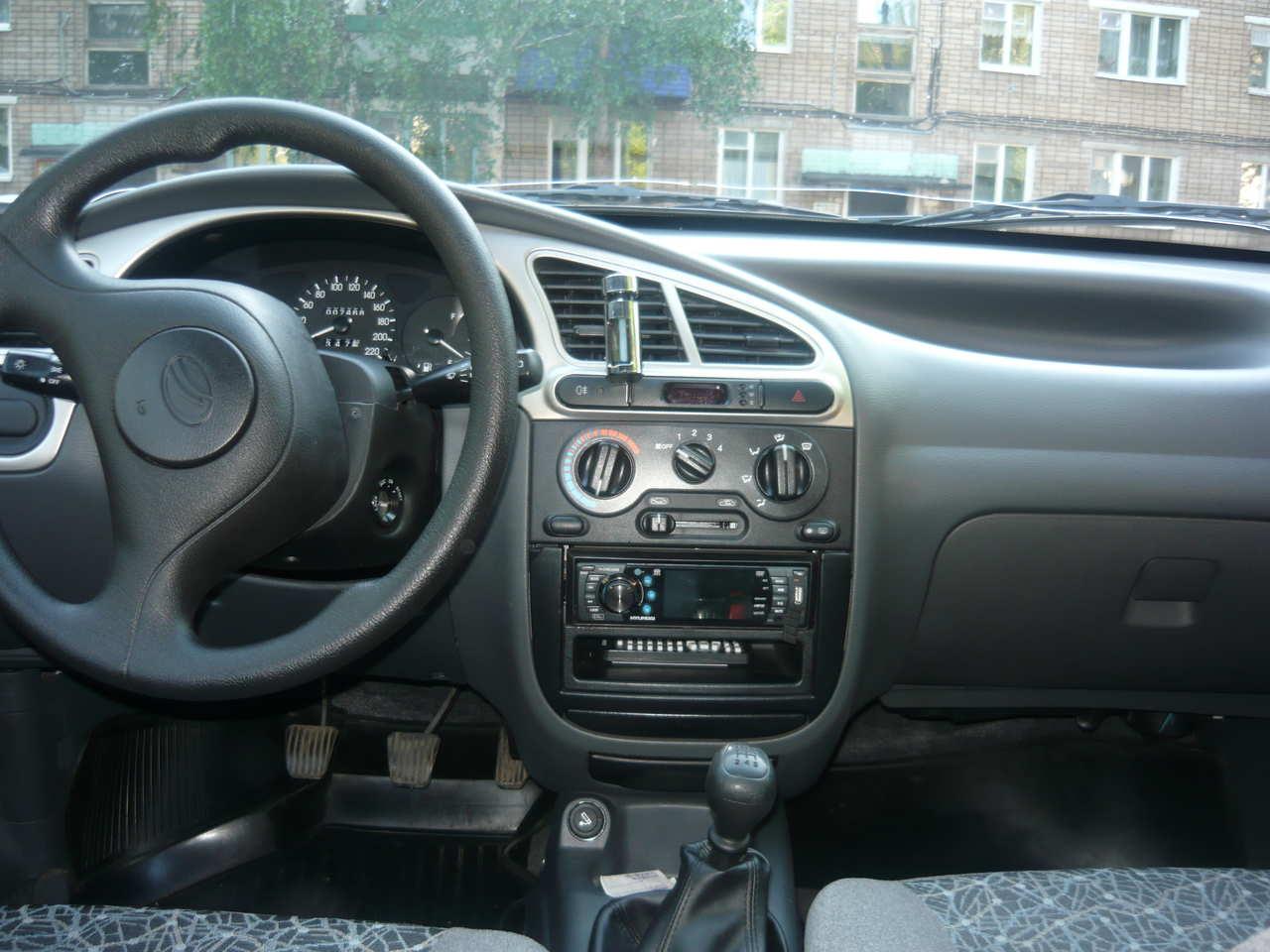 Daewoo Sens I 2002 - 2008 Sedan #8