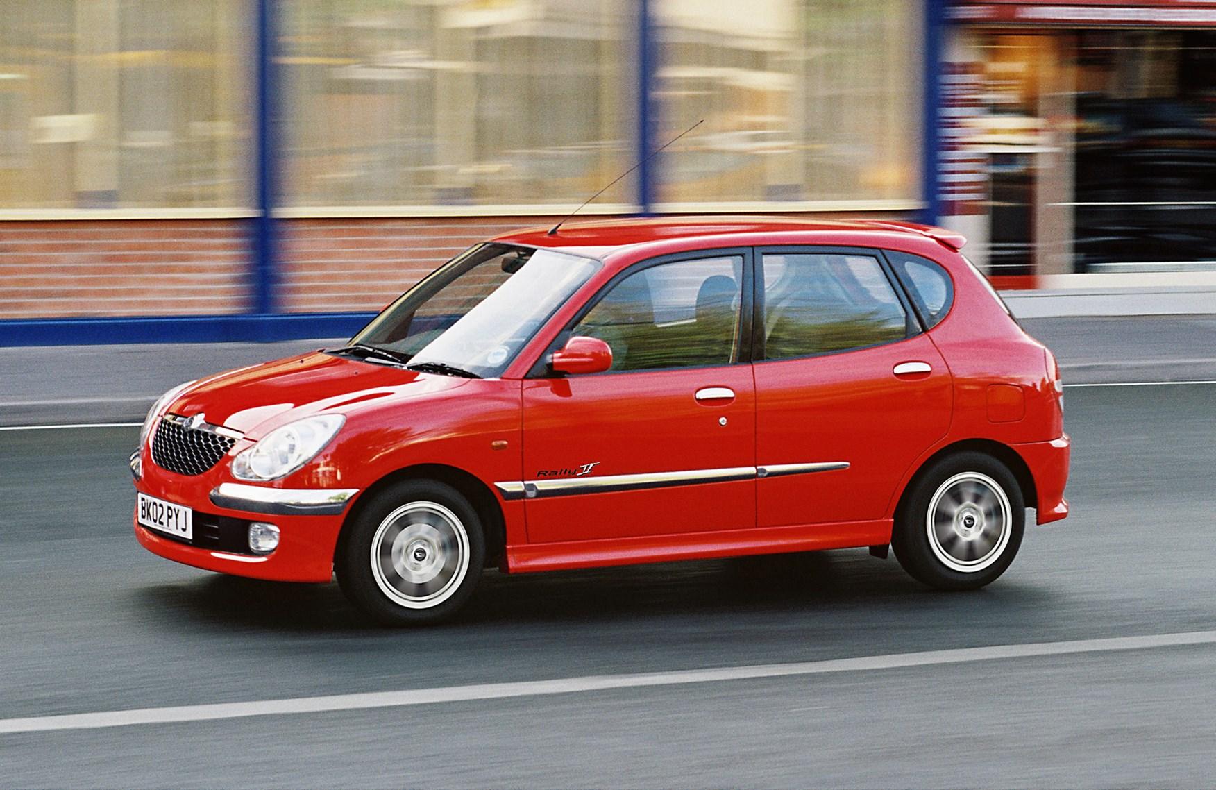 Daihatsu Sirion I (M1) 1998 - 2004 Hatchback 5 door #1