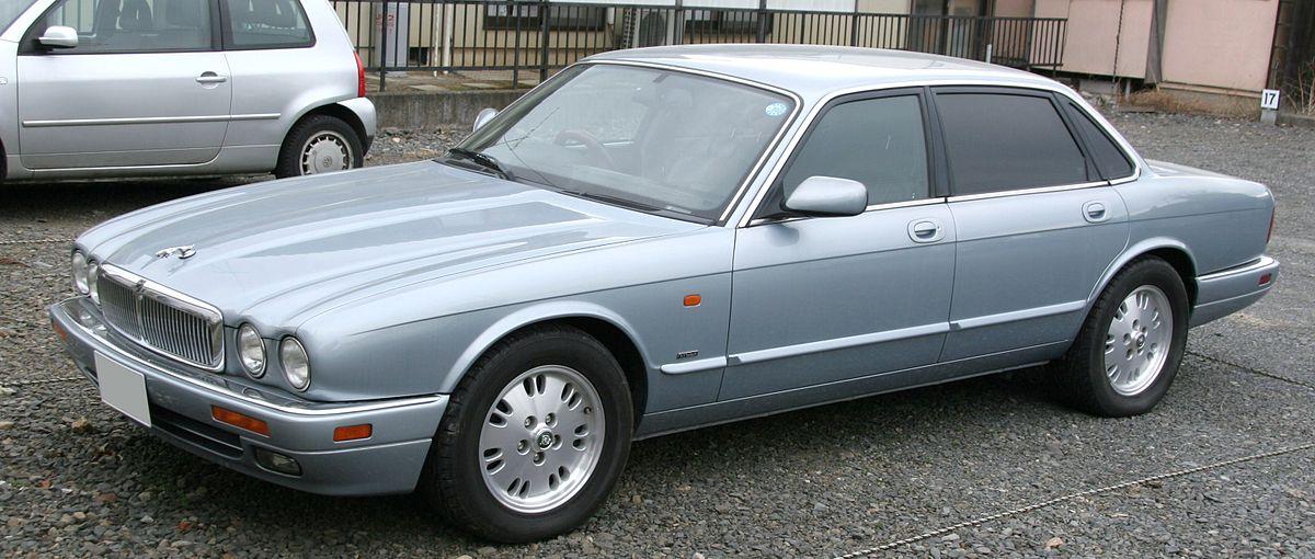 Jaguar XJR II (X300) 1994 - 1997 Sedan #8
