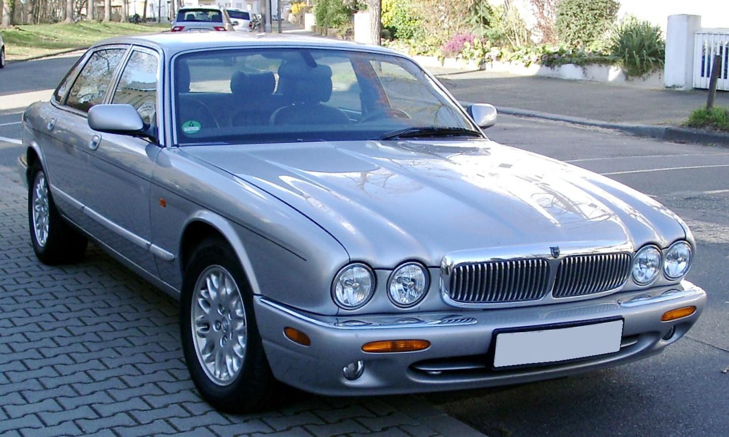 Jaguar XJR II (X300) 1994 - 1997 Sedan #1