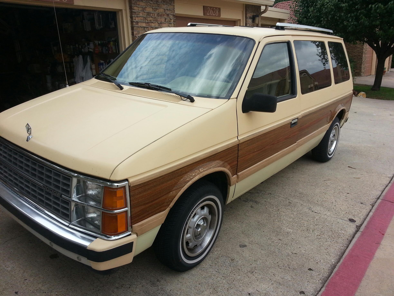 Plymouth Voyager I 1984 - 1990 Minivan #1