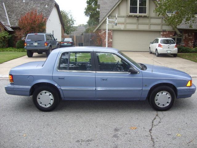 Dodge Spirit 1988 - 1995 Sedan #1