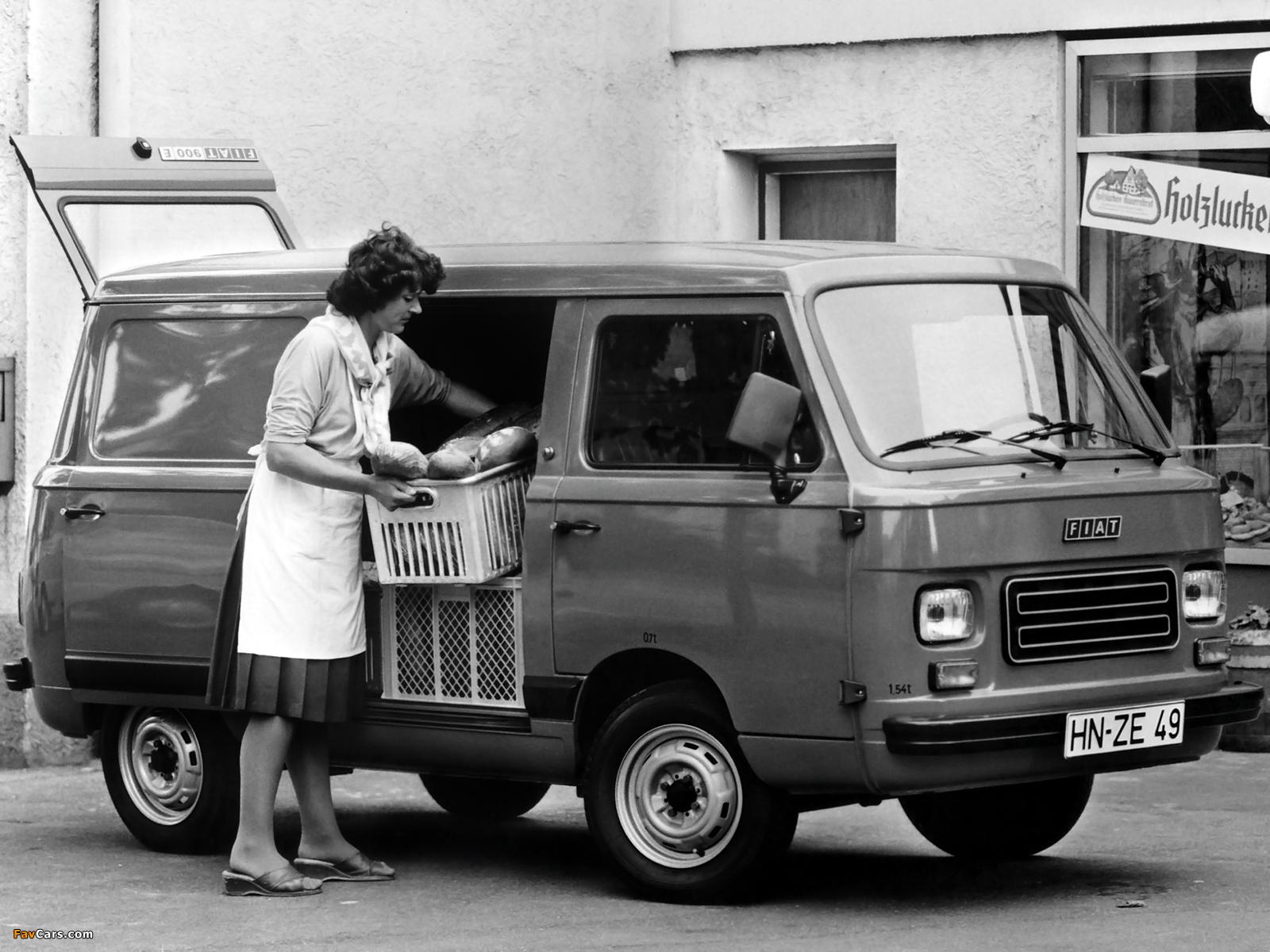 Fiat 900T 1976 - 1985 Minivan #1