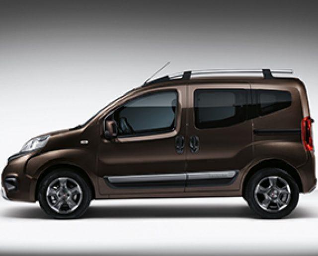 Fiat Qubo I Restyling 2016 - now Compact MPV #3