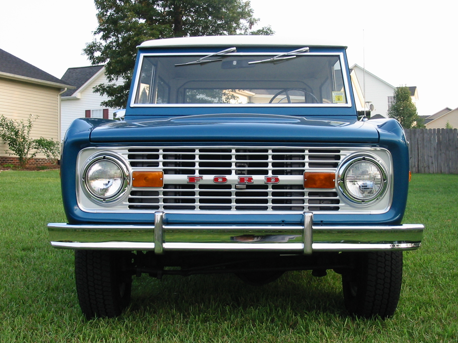 Ford Bronco I 1966 - 1977 SUV 3 door #4