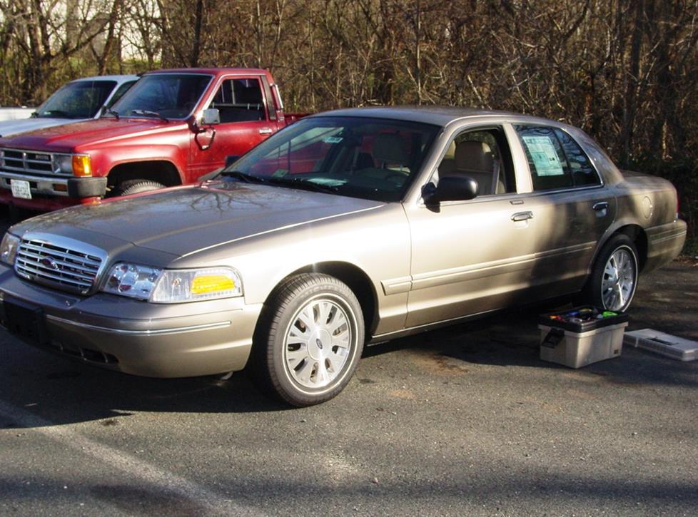Ford Crown Victoria II 1997 - 2011 Sedan #4