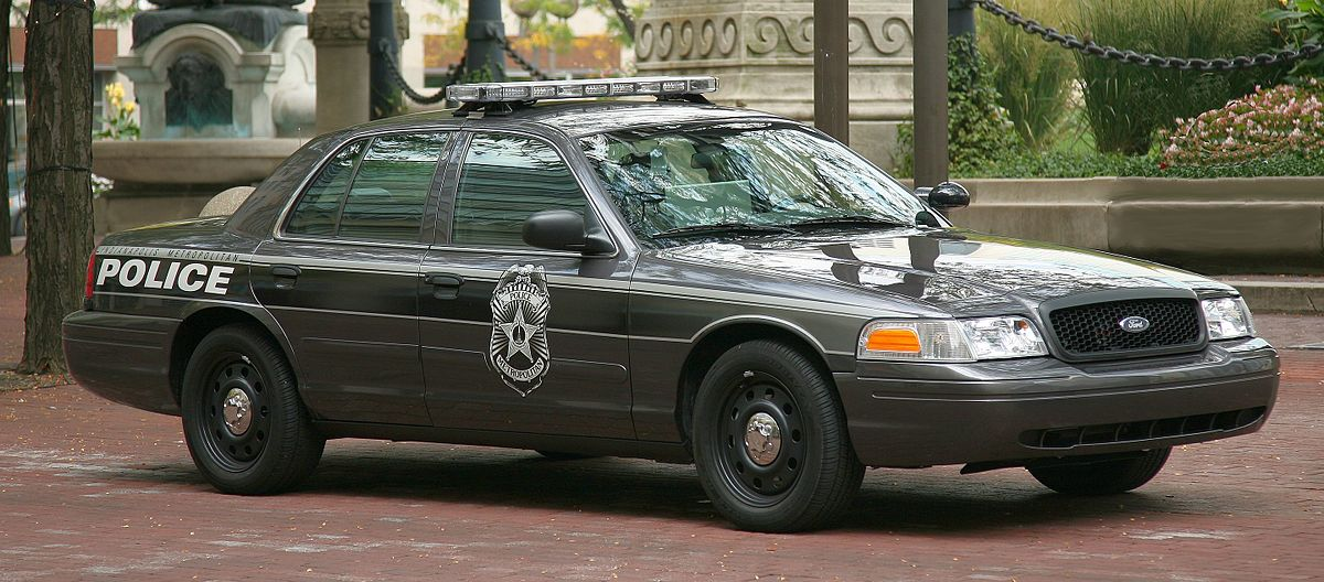 Ford Crown Victoria II 1997 - 2011 Sedan #5