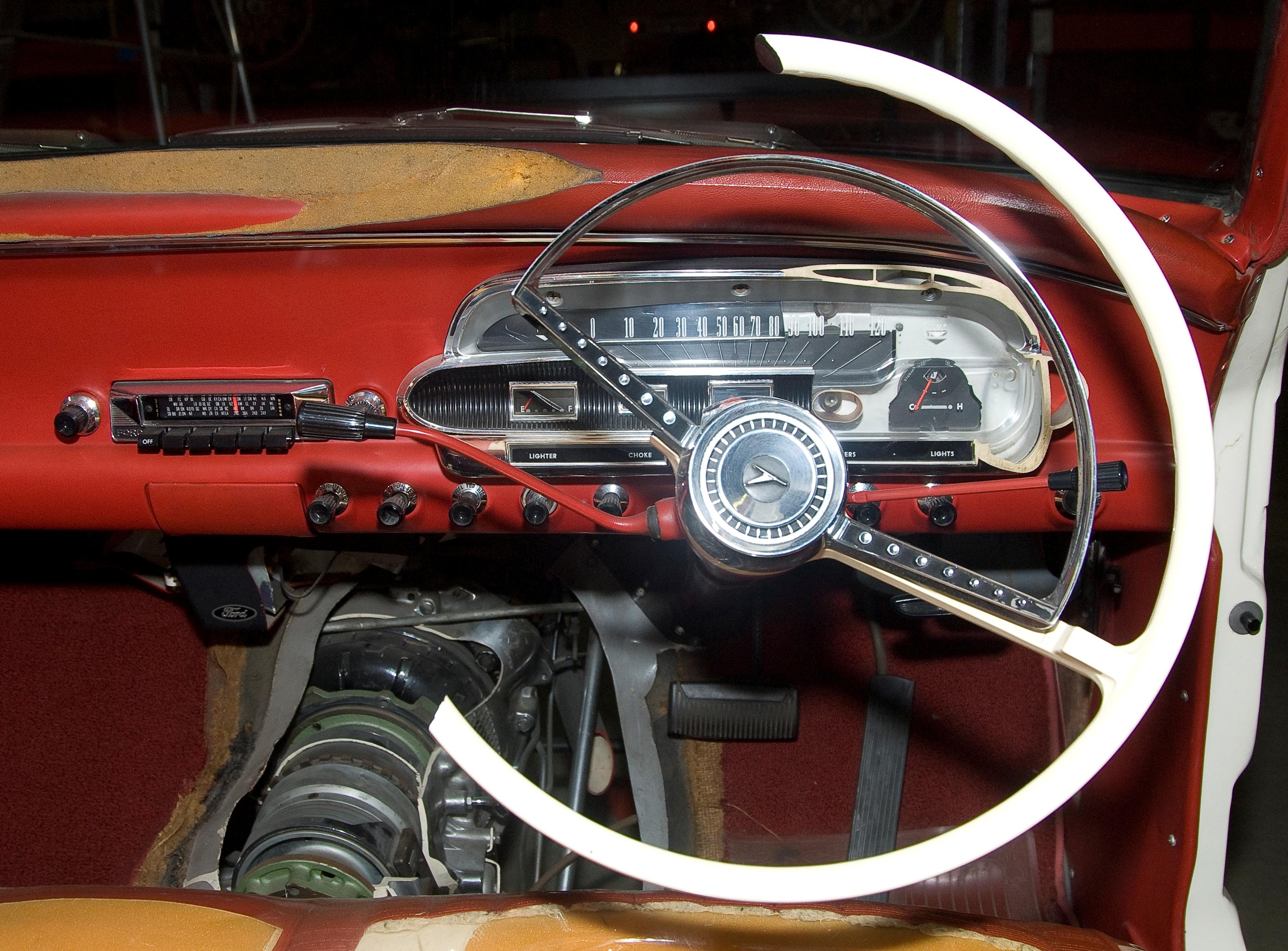Ford Falcon I (XK, XL, XM, XP) 1960 - 1966 Sedan #2