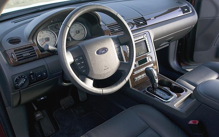 Ford Five Hundred 2004 - 2007 Sedan #7