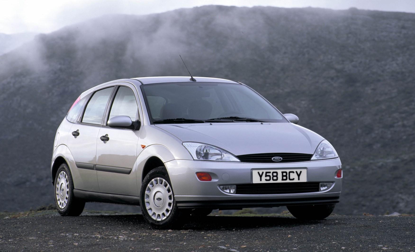 Ford Focus I 1998 - 2001 Hatchback 3 door #2