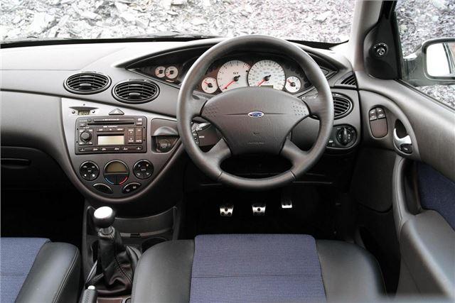 Ford Focus I 1998 - 2001 Hatchback 3 door #4
