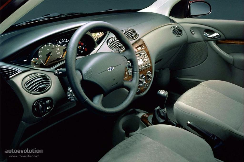 Ford Focus I 1998 - 2001 Hatchback 3 door #1