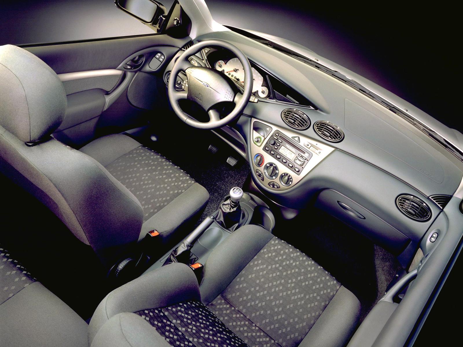 Ford Focus I 1998 - 2001 Hatchback 3 door #3