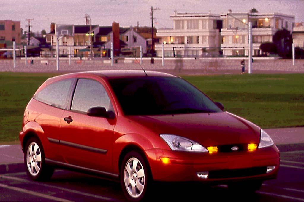 Ford Focus (North America) I 1999 - 2004 Hatchback 3 door #1