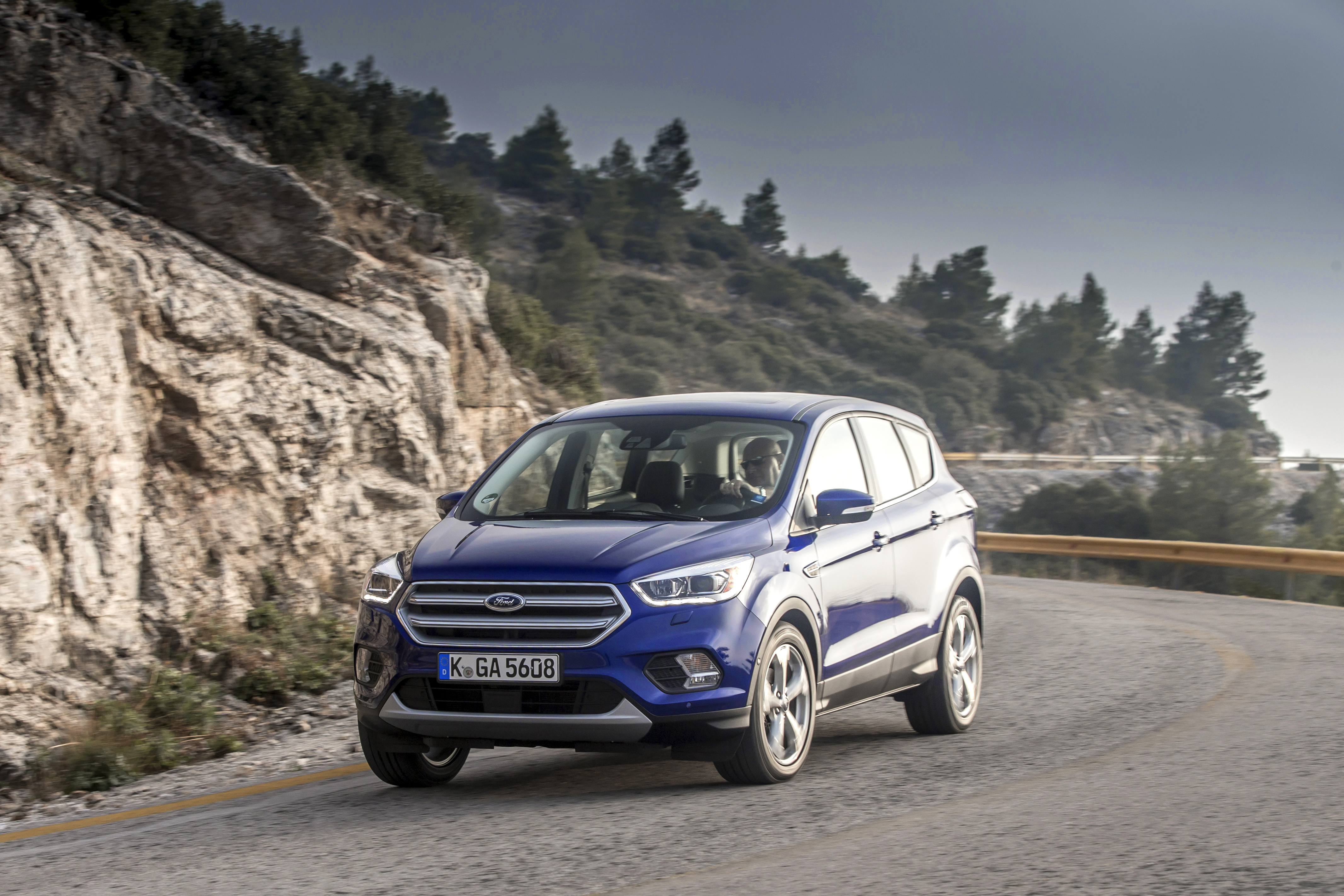 Ford Kuga II Restyling 2016 - now SUV 5 door #4