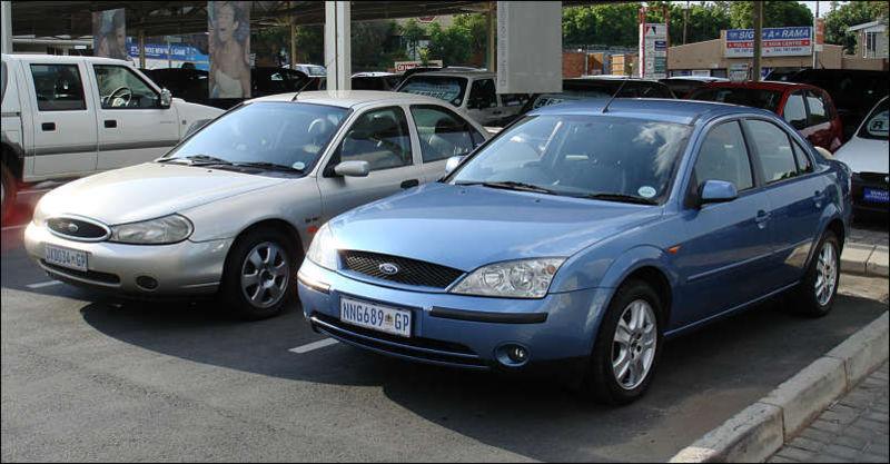 Ford Mondeo ST II 1999 - 2000 Hatchback 5 door #1
