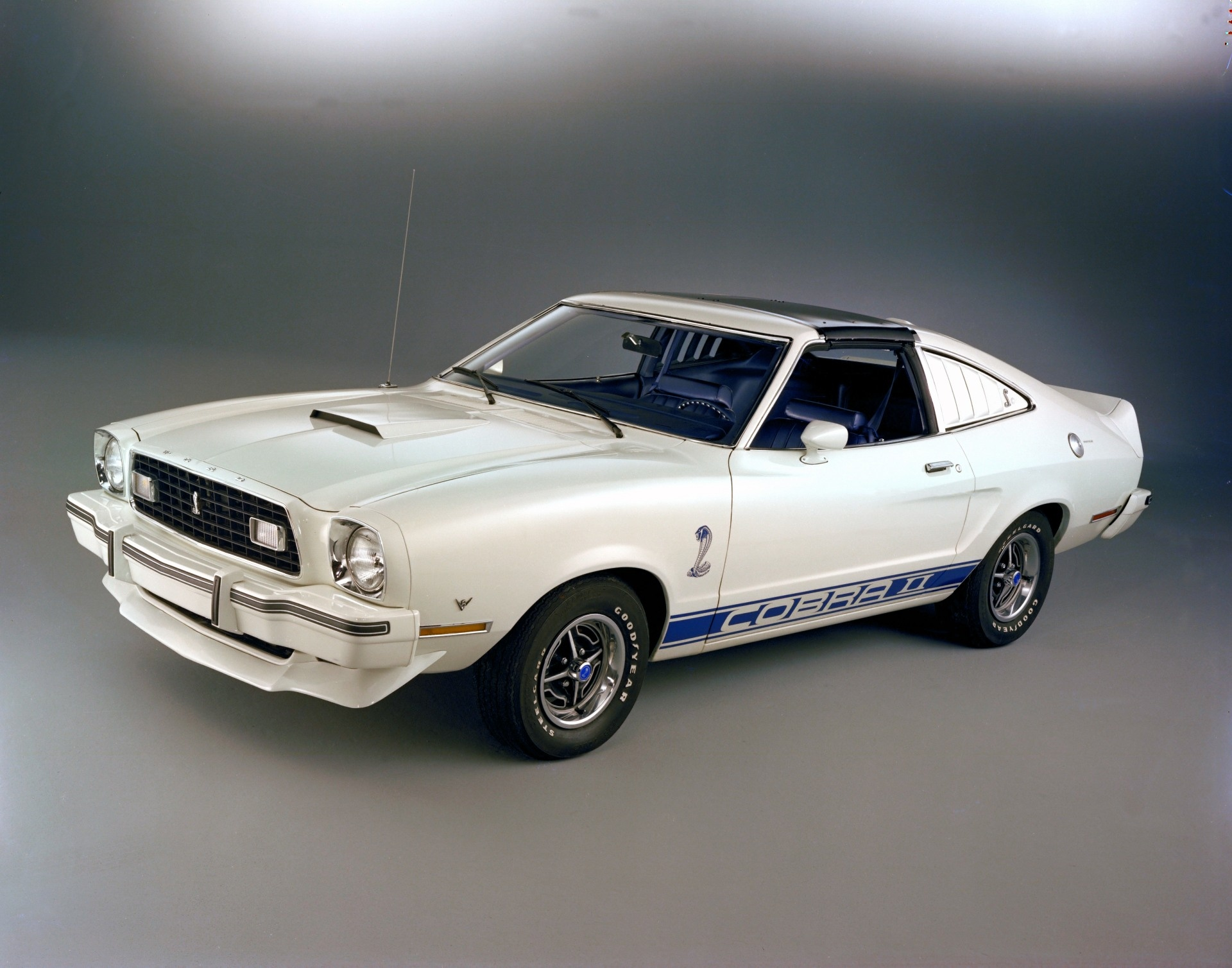 Ford Mustang III Restyling 1986 - 1993 Coupe #1