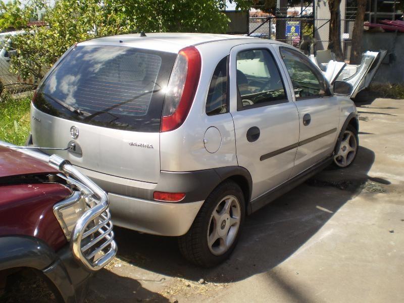 Holden Barina IV (XC) 2001 - 2005 Hatchback 5 door #3