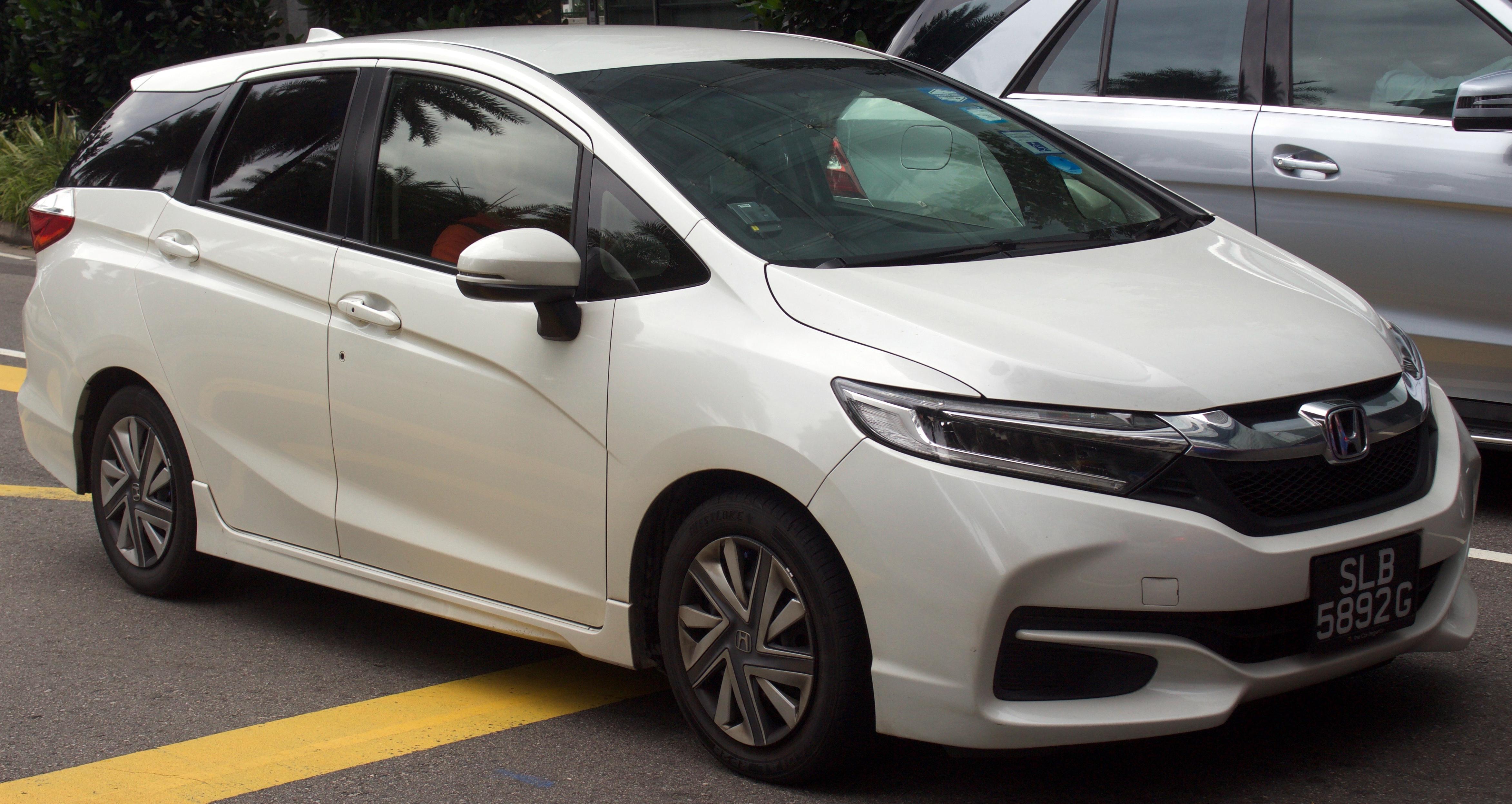 Honda Fit Shuttle I Restyling 2013 - 2015 Station wagon 5 door #4