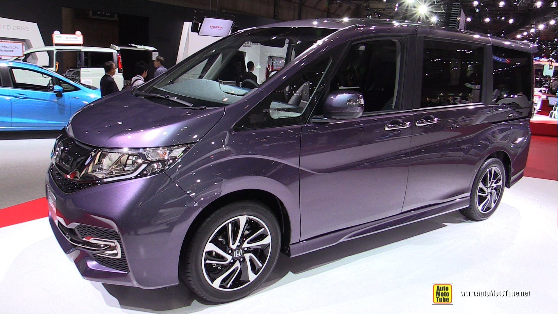 Honda Stepwgn V Restyling 2017 - now Minivan #8