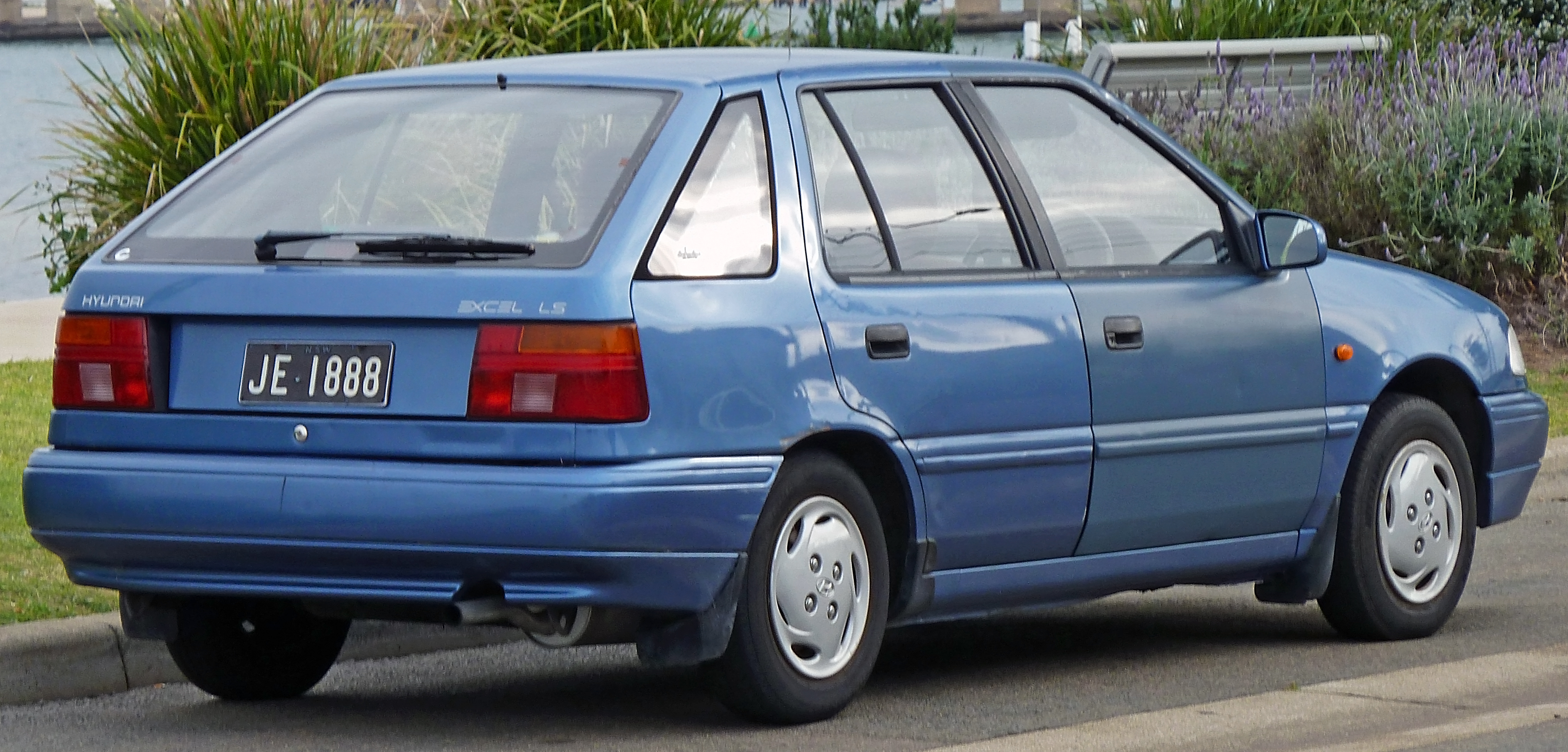 Hyundai Excel II 1989 - 1998 Sedan #4