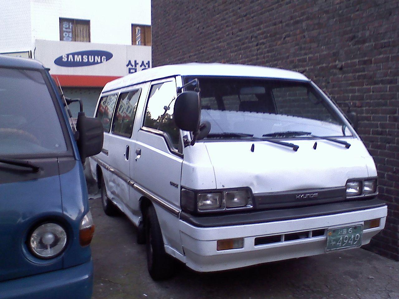 Hyundai Grace 1986 - 2004 Minivan #1