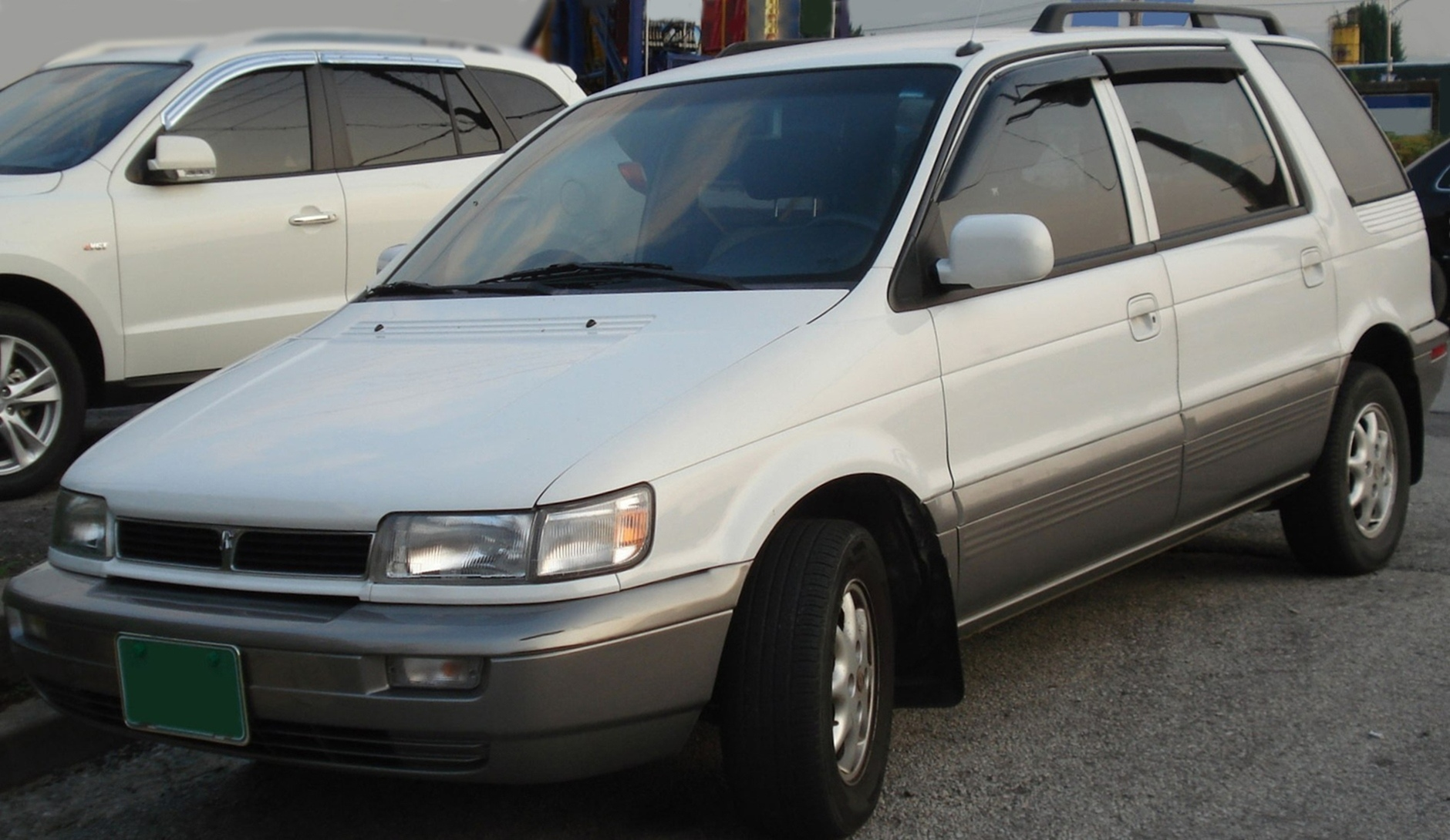Hyundai Santamo 1995 - 2002 Compact MPV #7