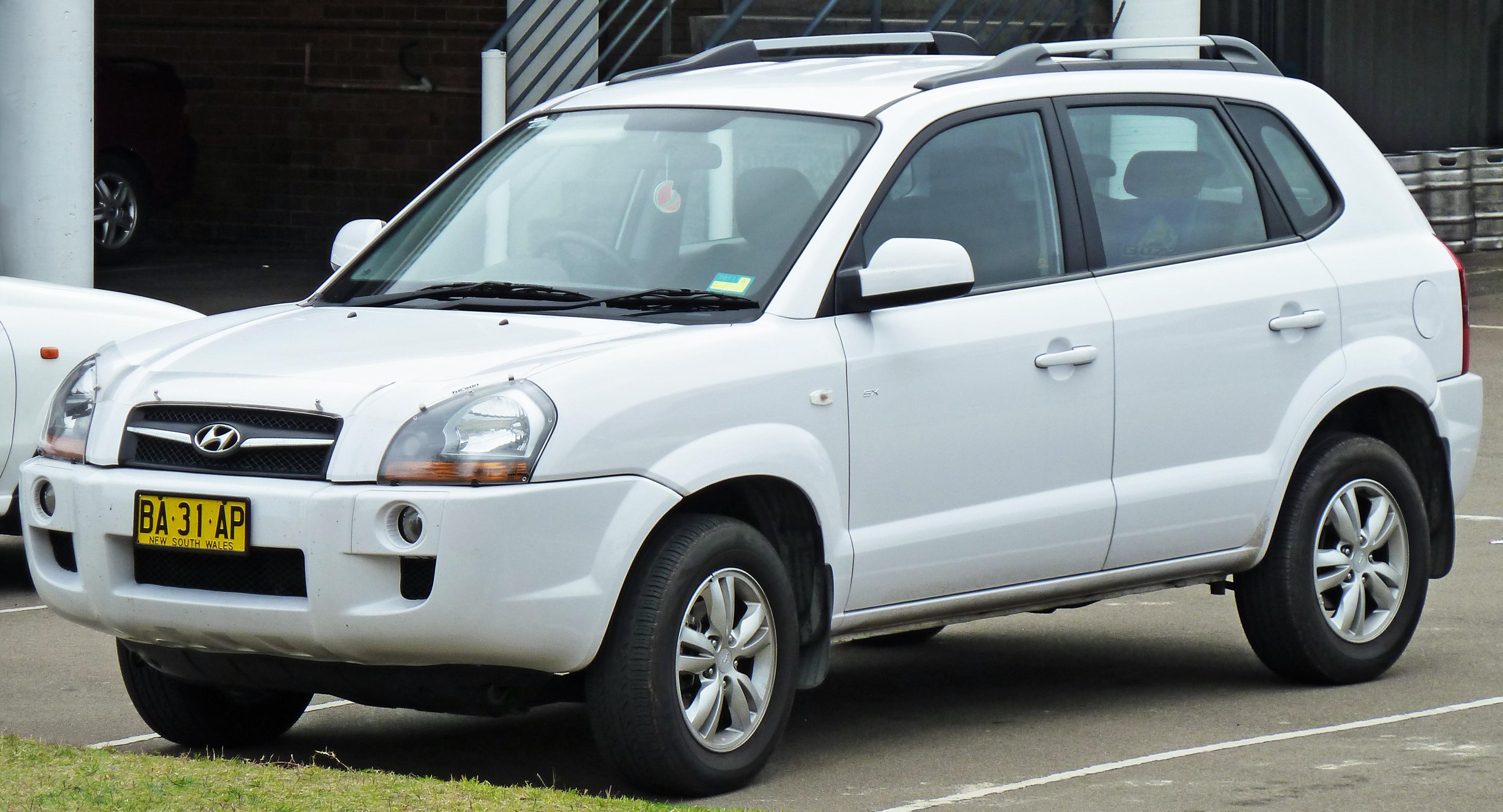 Hyundai Tucson I 2004 - 2010 SUV 5 door #1