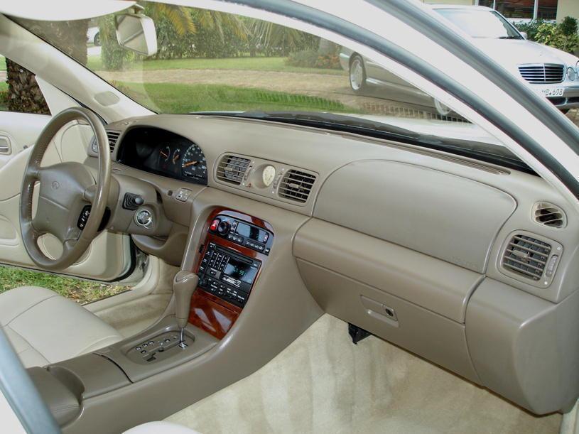 Infiniti I I 1995 - 1999 Sedan #3