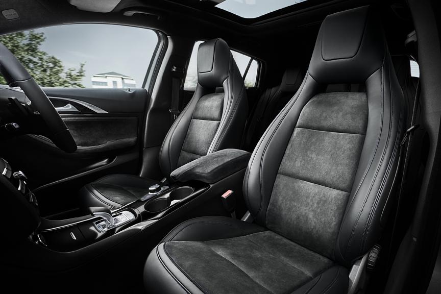 Infiniti Q30 2015 - now Hatchback 5 door #8
