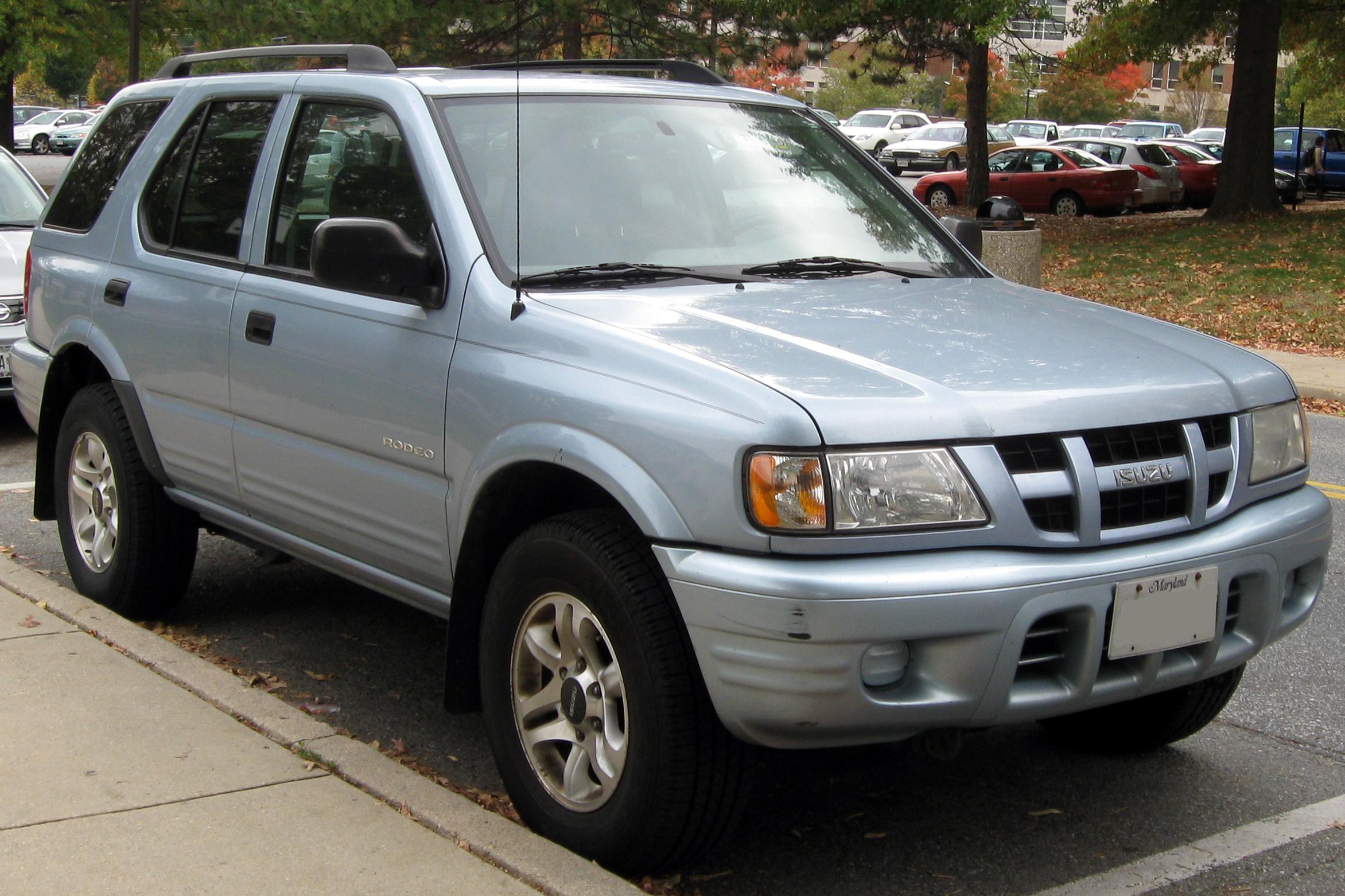 Isuzu Rodeo II 1998 - 2004 SUV #1