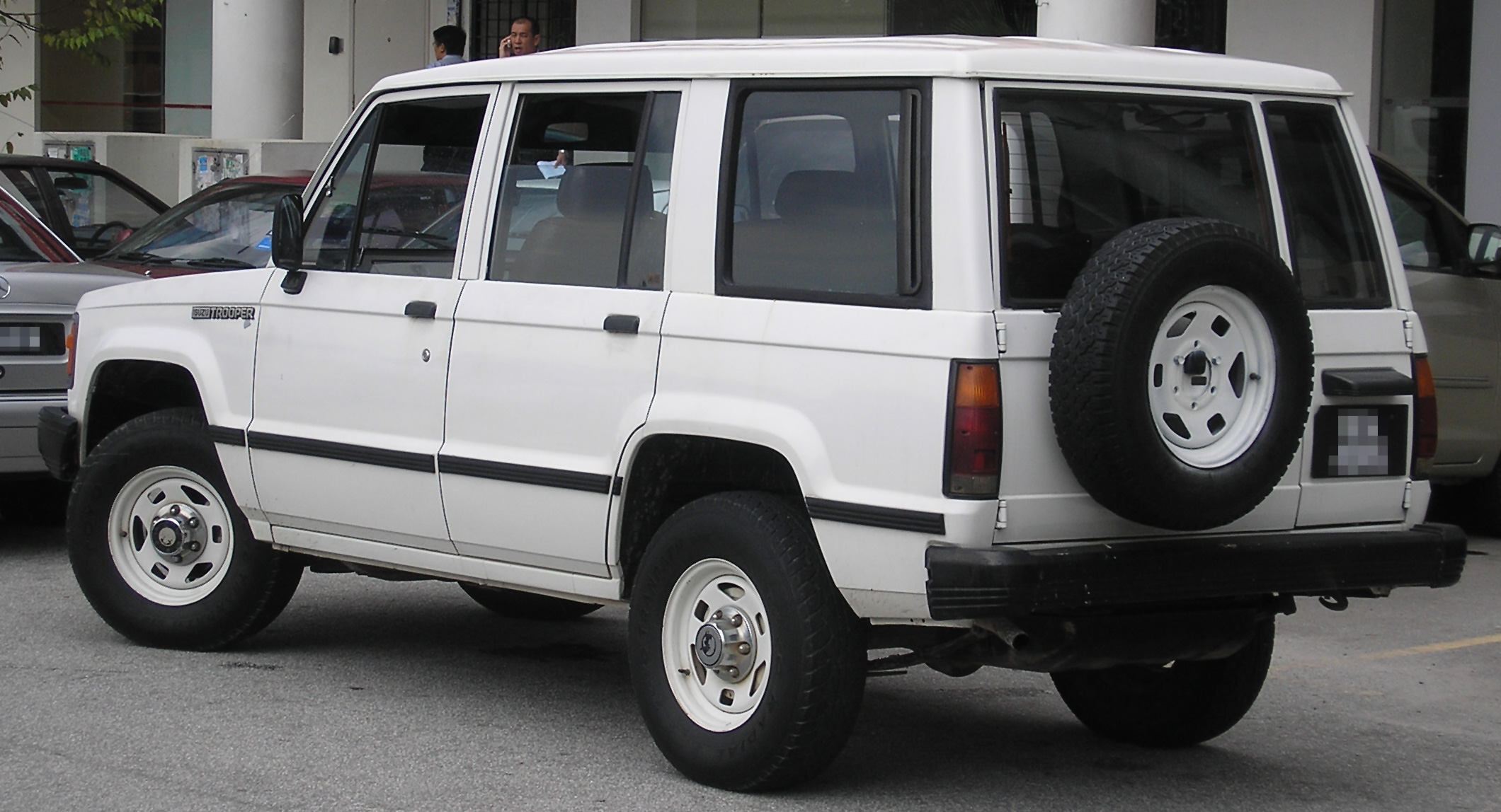 Isuzu Trooper I 1981 - 1991 SUV #4