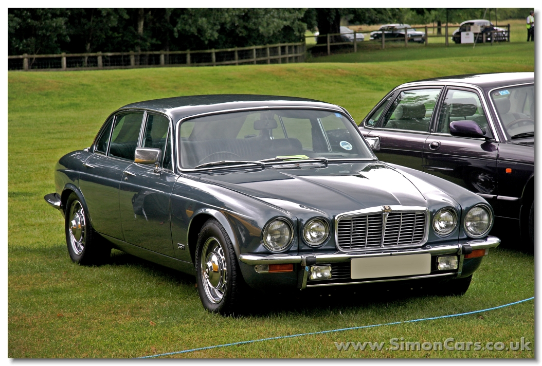 Jaguar XJ I (Series 2) 1973 - 1979 Sedan #4