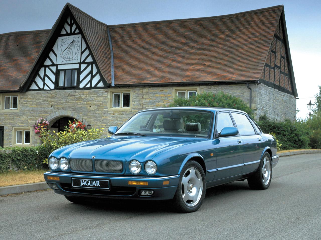 Jaguar XJR II (X300) 1994 - 1997 Sedan #6