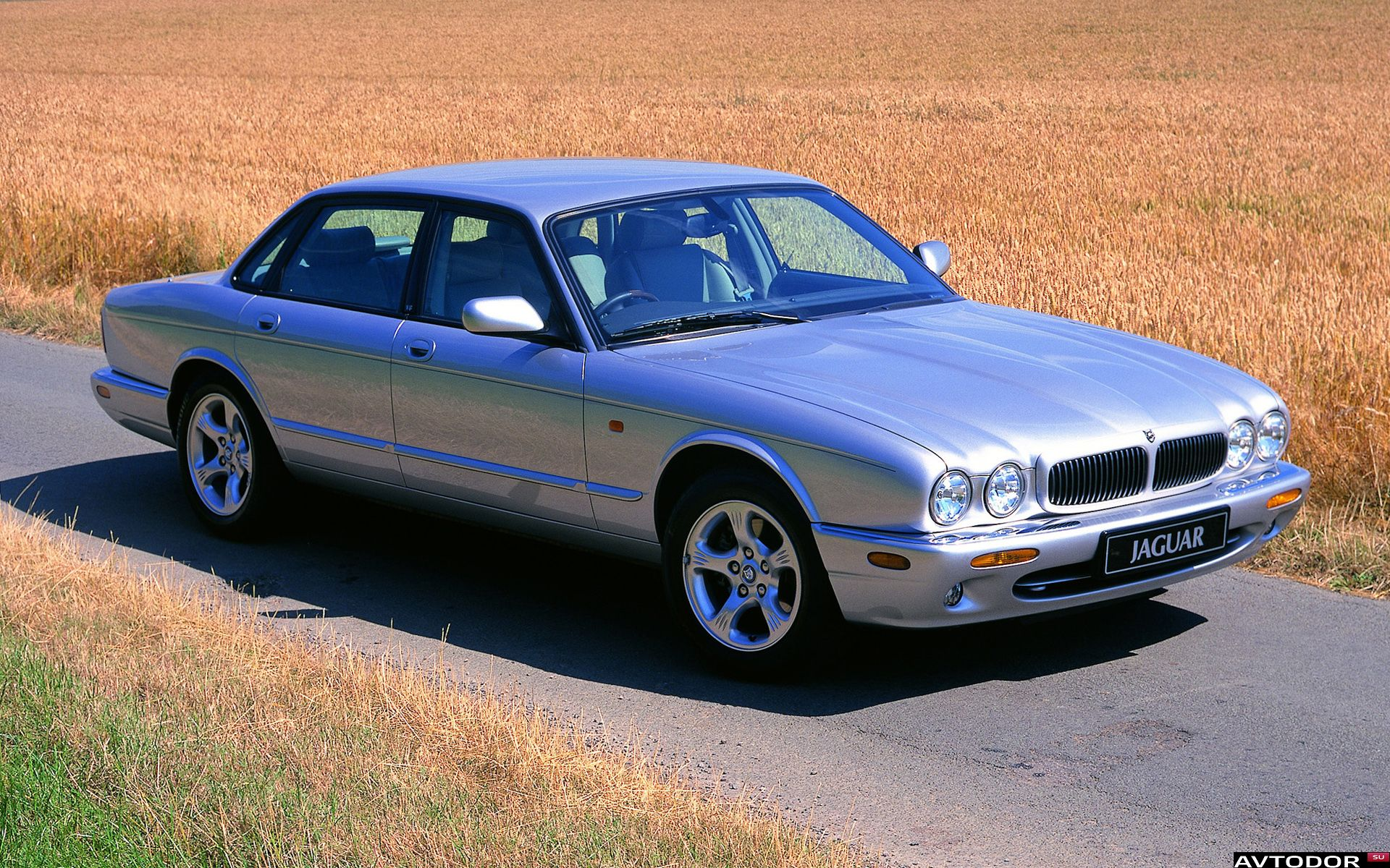 Jaguar XJ II (X308) 1997 - 2003 Sedan #2