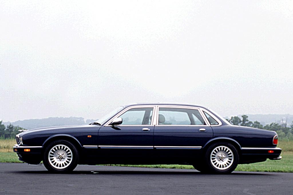 Jaguar XJ II (X308) 1997 - 2003 Sedan #6