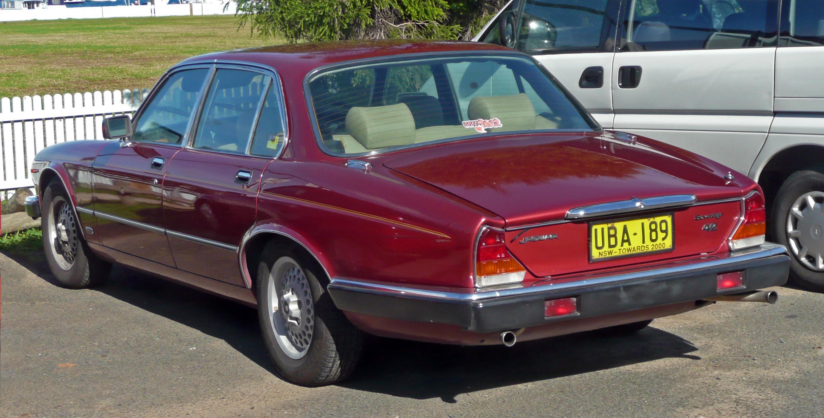 Jaguar XJ II (XJ40) 1986 - 1994 Sedan #2