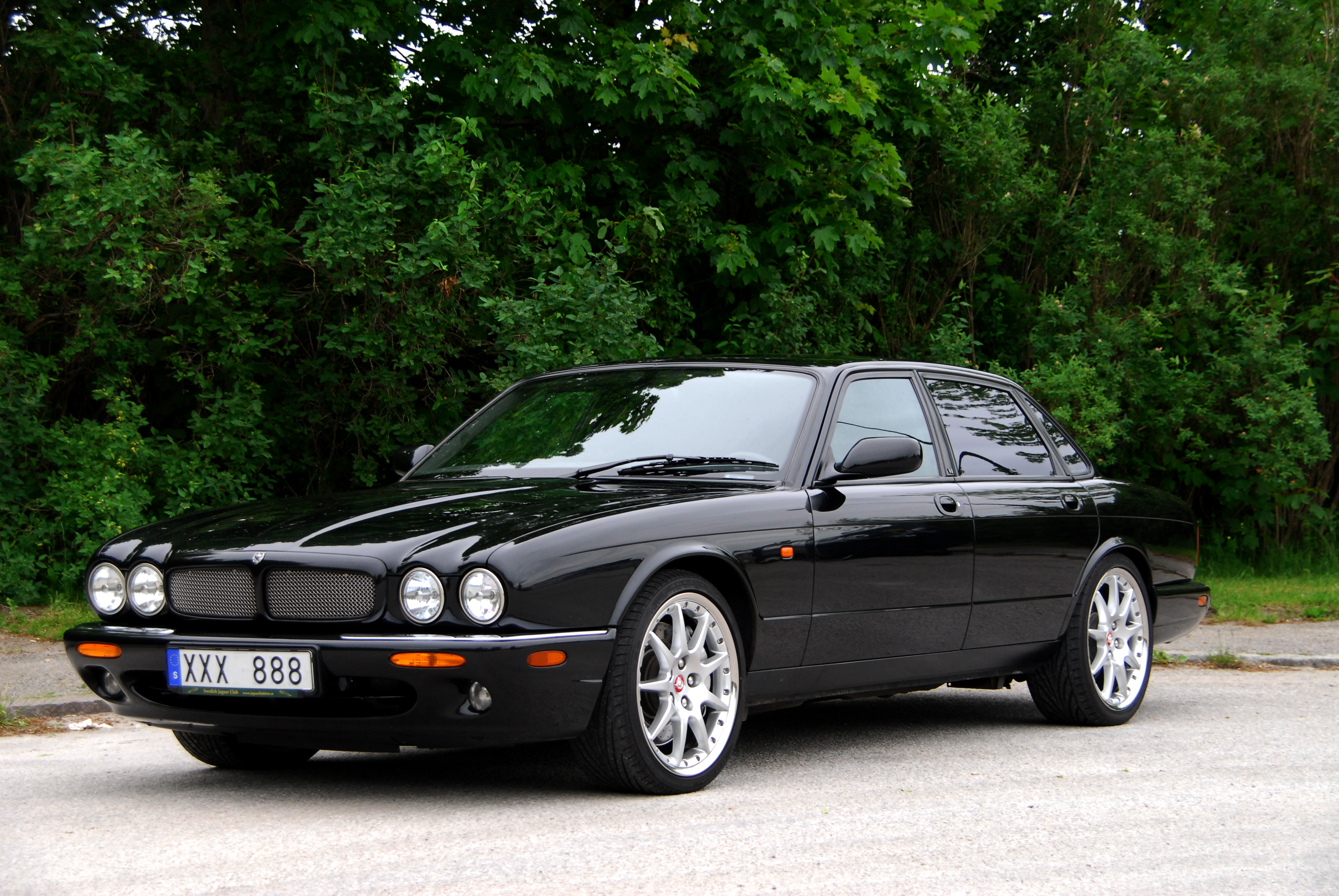 Jaguar XJR II (X300) 1994 - 1997 Sedan #2
